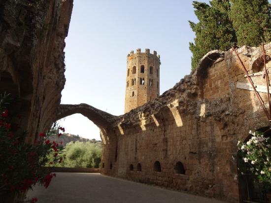 Орвието Италия аббатство Abbazia dei Santi Severo e Martirio
