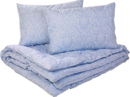 Упакуйте дополнительные одеяла и основные подушки