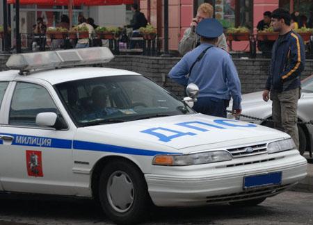 Обычно на месте происшествия нет полиции, дабы сразу и точно установить и наказать виновника