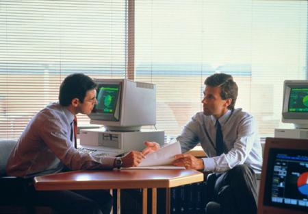 Задокументируйте ваши стычки с коллегами на тот случай, если вы решите сообщить о его/ее непрофессиональном поведении