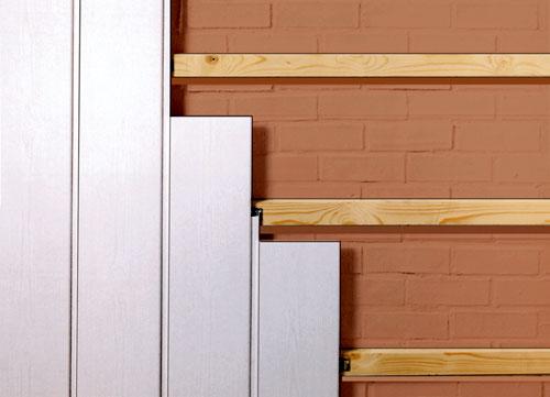 Как выполнить внутреннее оформление помещения стеновыми пластиковыми панелями?