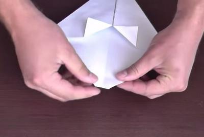 Как сделать воздушный змей из бумаги-5