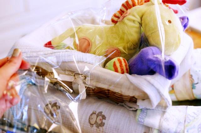 Как упаковать подарки для новорожденного 579