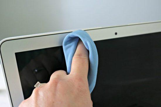 Как быстро очистить ноутбук от пыли и загрязнений