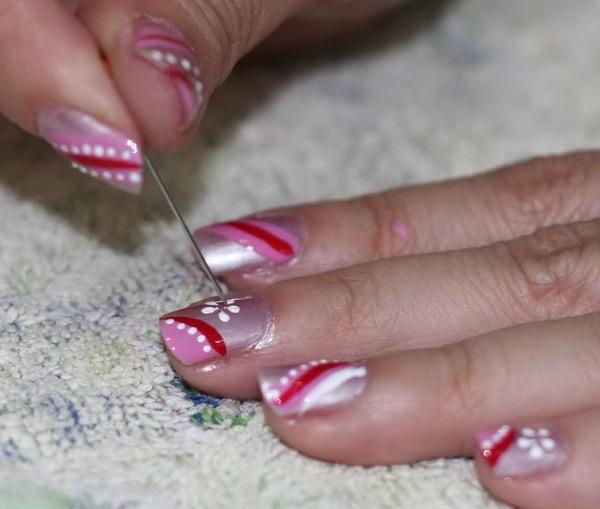 рисунки на ногтях иголкой полосы и цветы  маникюр в домашних условиях