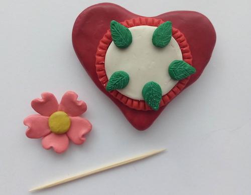 Как сделать валентинку из пластилина своими руками