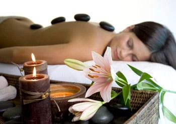 Как проводится лечение горячими камнями (стоун-терапия)