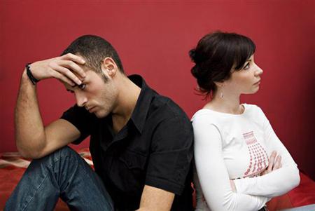исследователи ожидали, что те, кто живя вместе помолвлен не был, испытают более серьезные сложности в отношениях после заключения брака. Результаты подтвердили их гипотезу