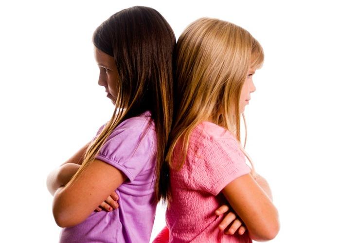Как прекратить общение с бывшим другом или подругой