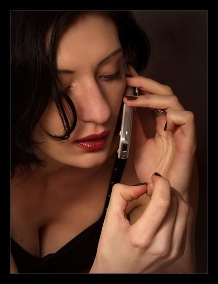 Говорить кому-то, что ты больше не любишь его или ее – это то, что любой нормальный человек обязан сделать лично, не через e-mail, не через голосовое/текстовое сообщение или по телефону.
