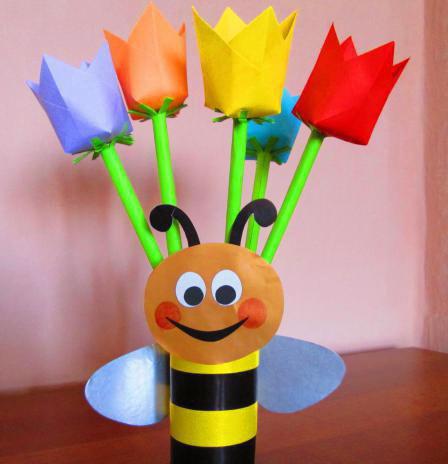 Как сделать тюльпаны из бумаги для мамы на 8 марта