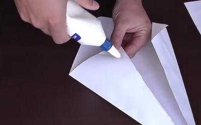 Как сделать воздушный змей из бумаги-6