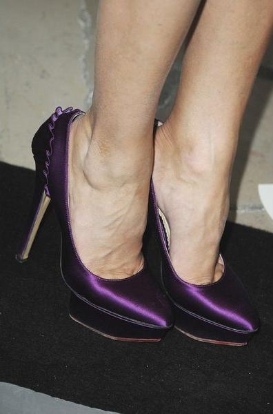 Оттенок туфель