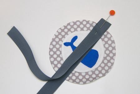 Как сделать мягкие игрушки для детской кроватки или автокресла?