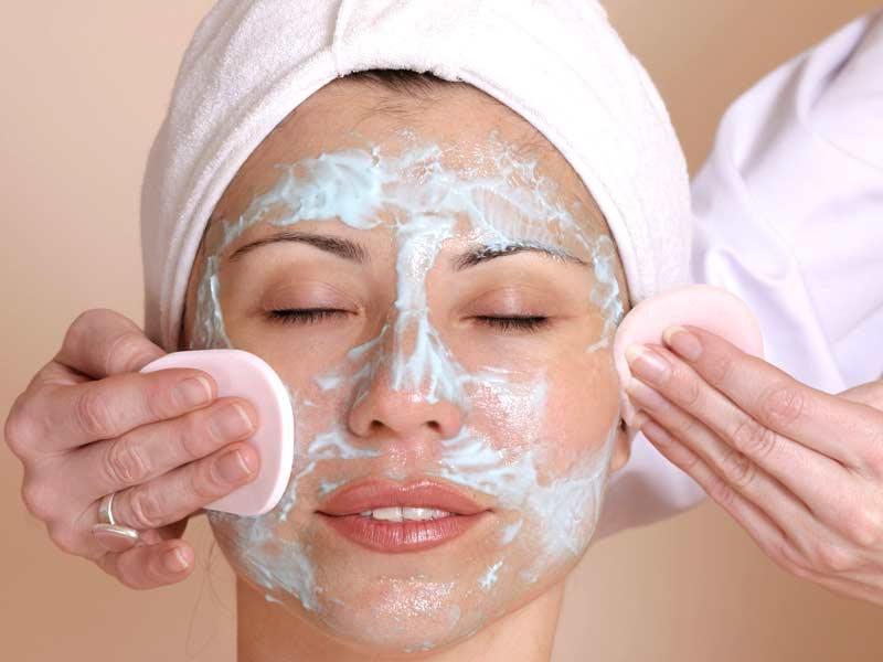 процедура для лица в салоне маска