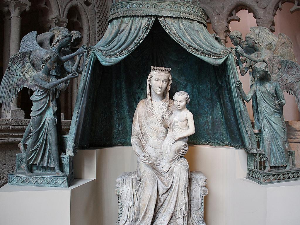 Музей произведений Дуомо в здании дворца Солиано работы Эмилио Греко Италия Museo dell'Opera del Duomo Соборной площади и в церкви святого Августина