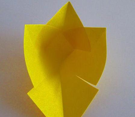 Как сделать тюльпаны из бумаги для мамы на 8 марта?