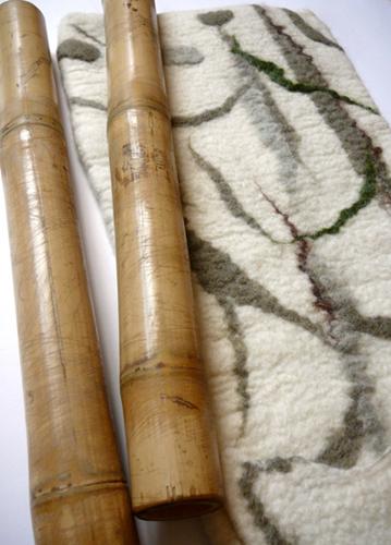 лучше купить именно настоящие бамбуковые стебли – они намного долговечнее