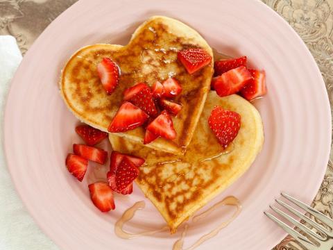 Как красиво подать завтрак в постель