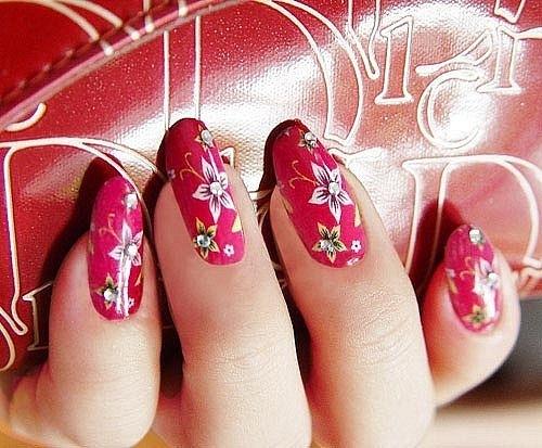 рисунки на ногтях иголкой под хохлому цветы стразы украшения  маникюр в домашних условиях