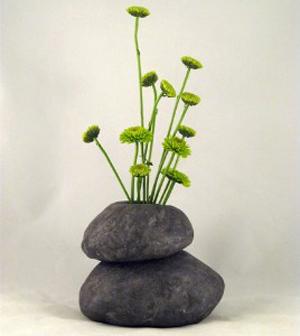 Закреплять камни друг на друге нужно крайне тщательно