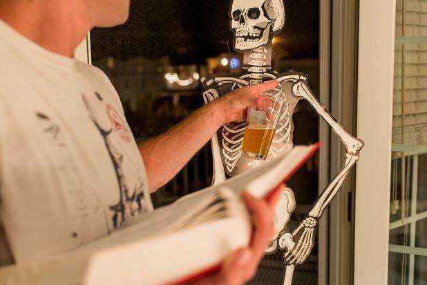 назови кость - алкогольные игры на Хэллоуин