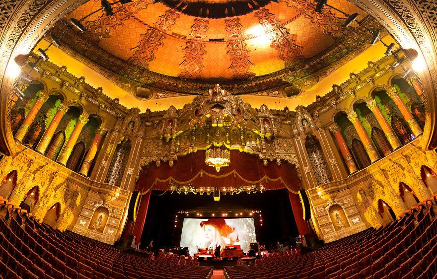 Театр-кинотеатр «Фокс» (Fox), Детройт, США.