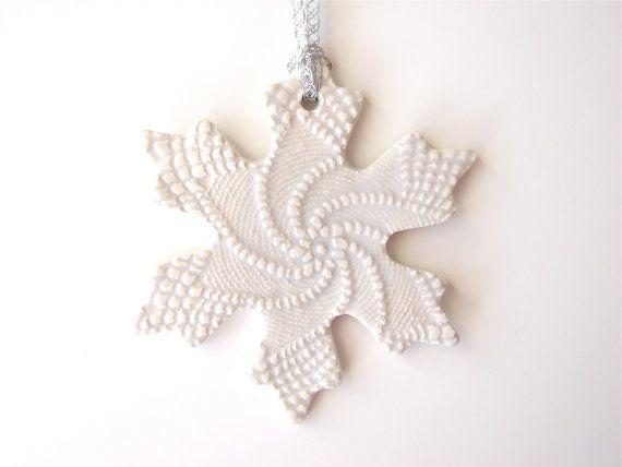Снежинки из керамики, полимерной глины, пластика