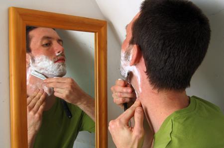 Давайте рассмотрим несколько рецептов натуральных кремов для бритья, которые вы сможете сделать в домашних условиях своими руками
