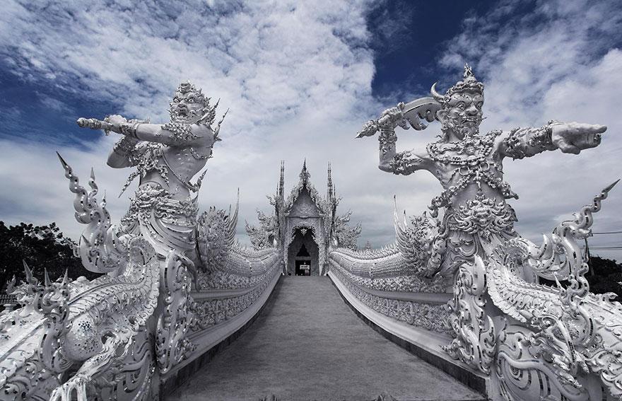 таиландский «райский» Белый Храм (Wat Rong Khun) - мост к нирване и возвышению