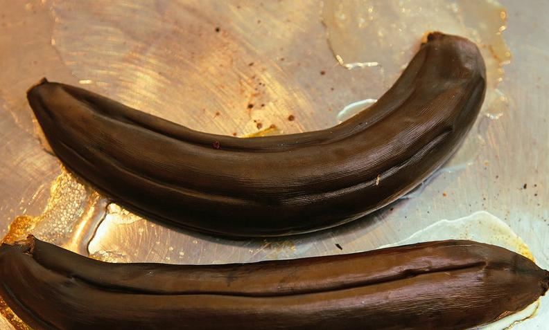 запекание банановой кожуры для подкормки роз