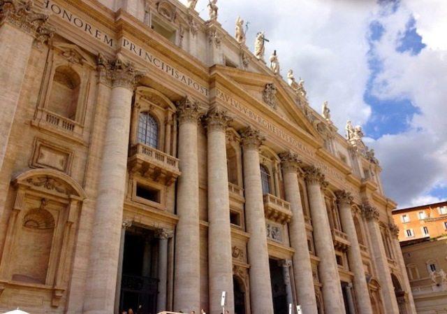 музей Ватикана открыт для свободного посещения в течение определенных утренних часов в последнее воскресенье каждого месяца