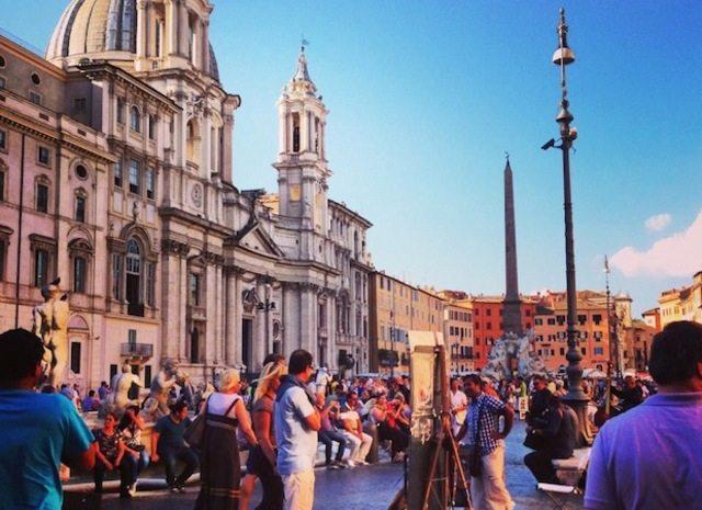В Риме, как уже говорилось выше, достаточно просто гулять по древним улочкам города