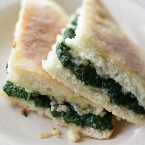 булочки со шпинатом - источник фолиевой кислоты