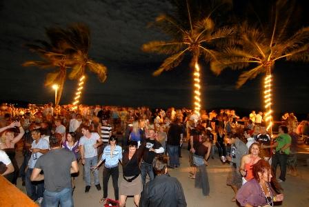 Хостел для вечеринок Топ-10 в мире Base, Магнитный остров, Австралия.