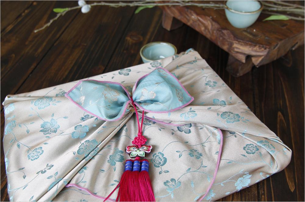 Как упаковывать подарки в боджаги (платок/салфетка, традиционные корейские техники) -