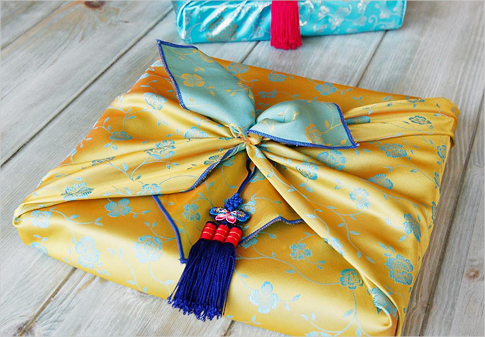 Как упаковывать подарки в боджаги (платок, традиционные корейские техники) - 3