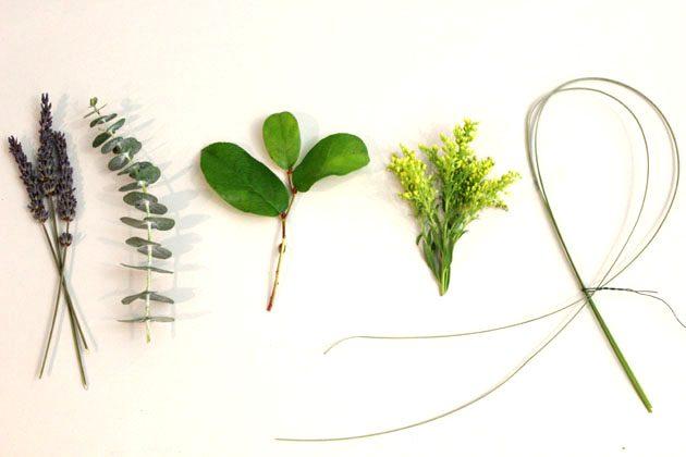 Выбор зелени для оформления бутоньерок