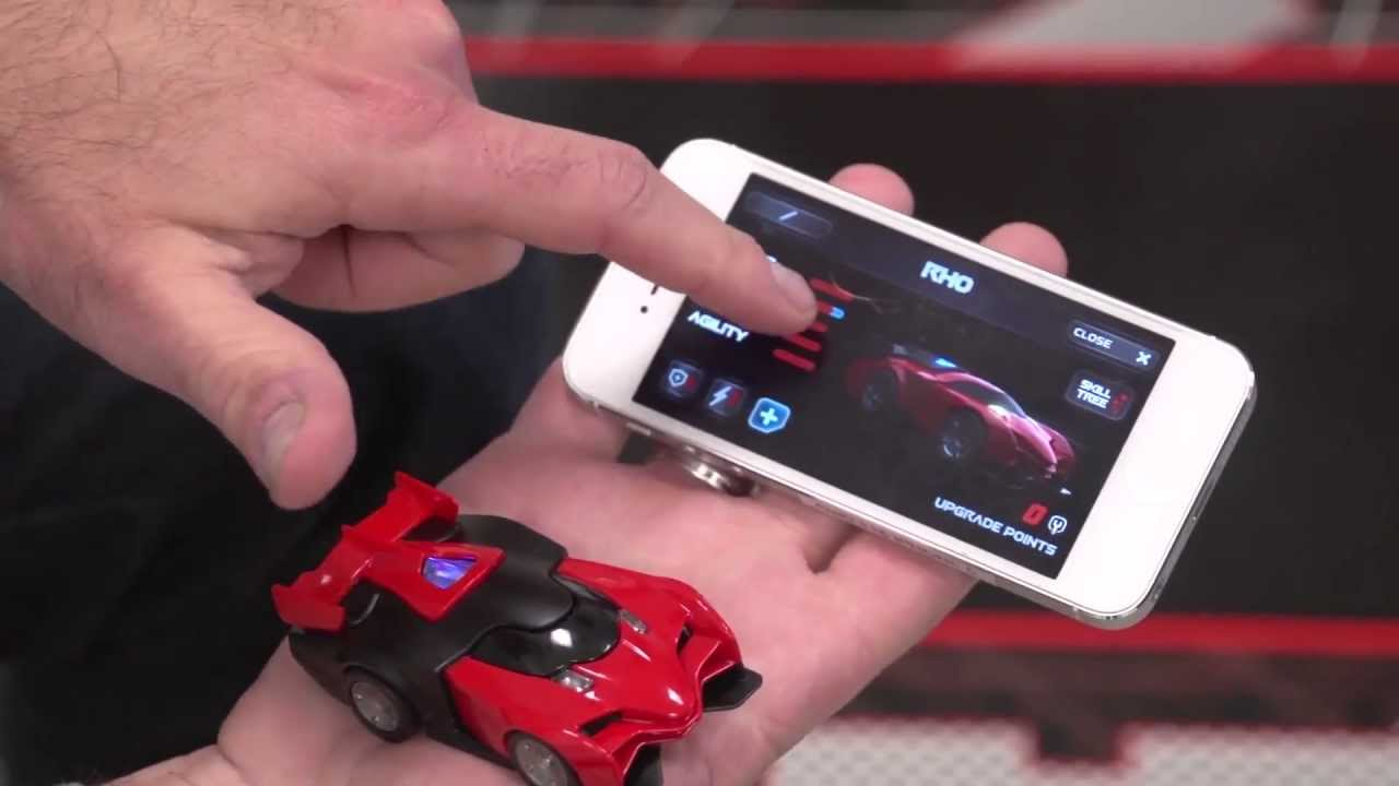 Anki DRIVE: видеоигры встречаются с мини-гонками