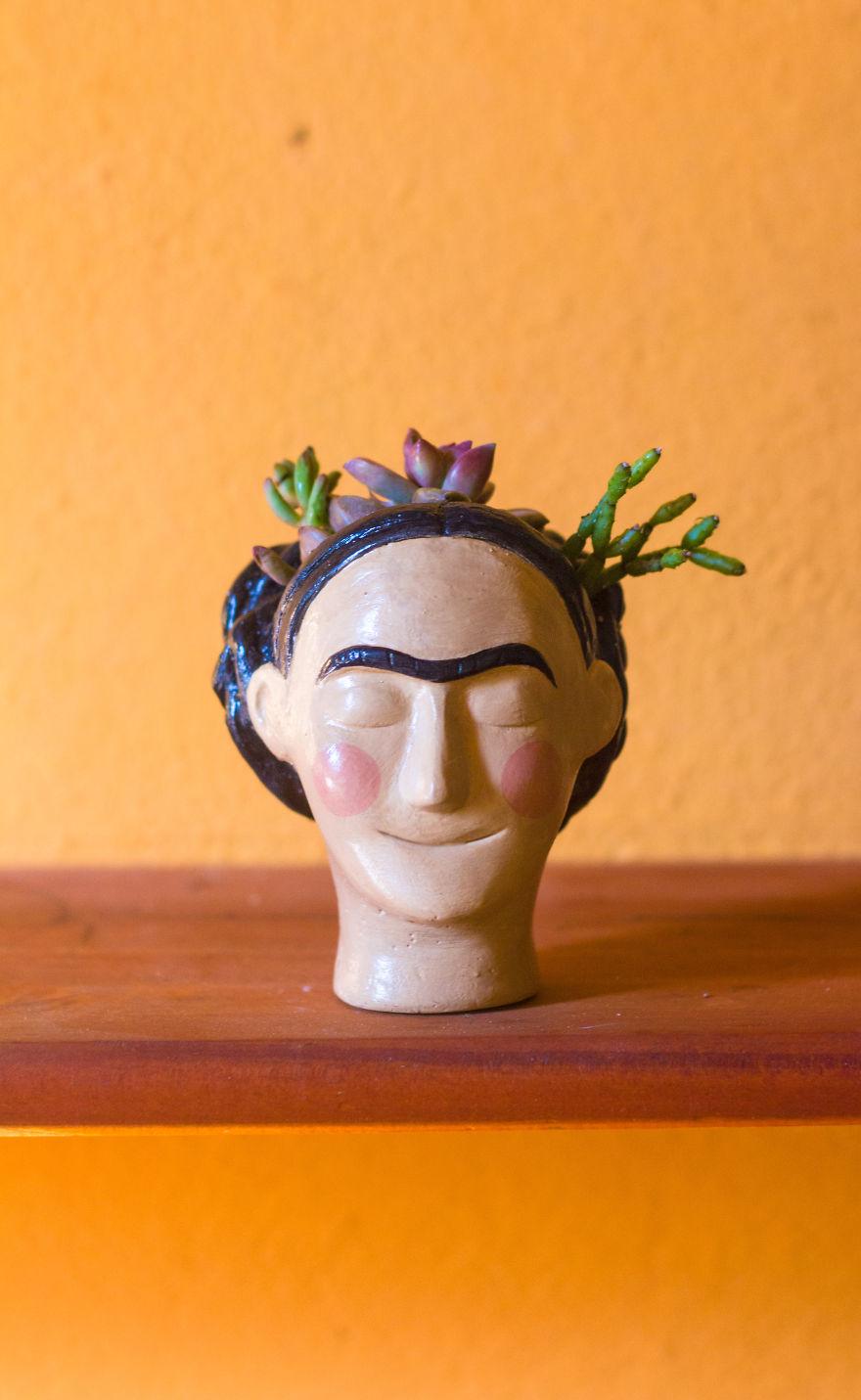 Цветочный горшок в виде головы Фриды Кало