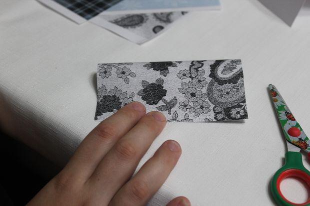 Правильно сложите бумагу для вырезания цветов - складываем квадрат пополам