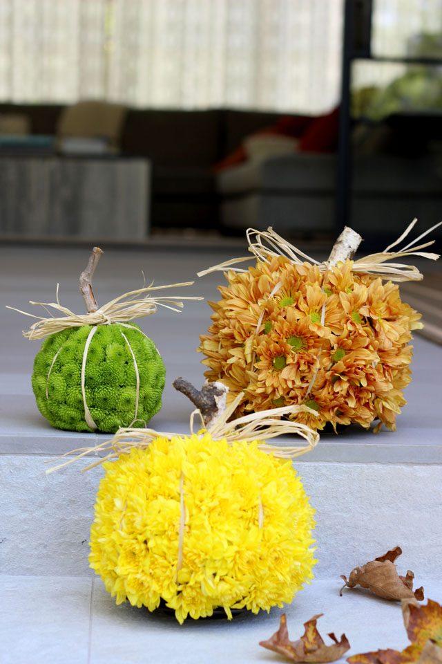 Готовые тыквы из цветов: для украшения интерьера осенью и на Хэллоуин