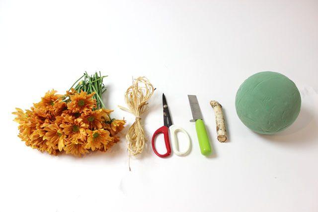 Исходные материалы для создание тыкв из цветов своими руками: украшаем интерьер осенью