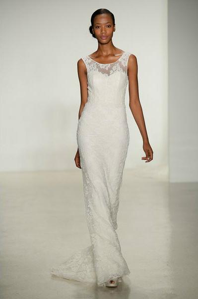 свадебная мода 2014: кружево на линии выреза, верхняя кофточка