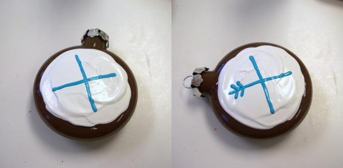 Как сделать оригинальную елочную игрушку в виде кекса?