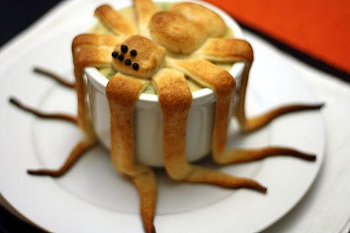 Как накрыть страшно вкусный стол на Хэллоуин: декорируем блюда - вареный монстр с тентаклями, паук