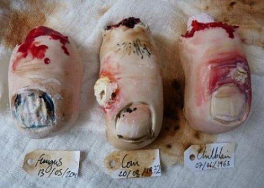 Как накрыть страшно вкусный стол на Хэллоуин: декорируем блюда - Печенья в виде отрезанных ушей и пальцев ног