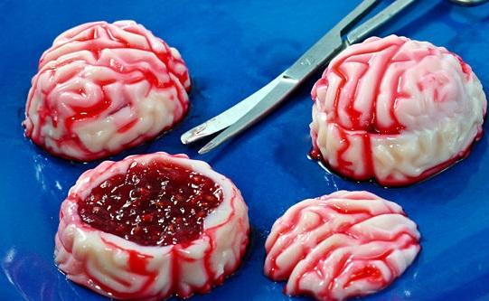 Как накрыть страшно вкусный стол на Хэллоуин: декорируем блюда - Алкогольные желейные мозги