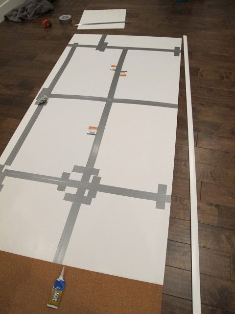 герметизирующей клейкой лентой надежно склейте эти панели