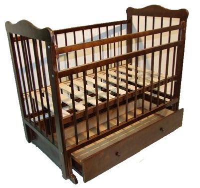деревянная детская кроватка темное дерево